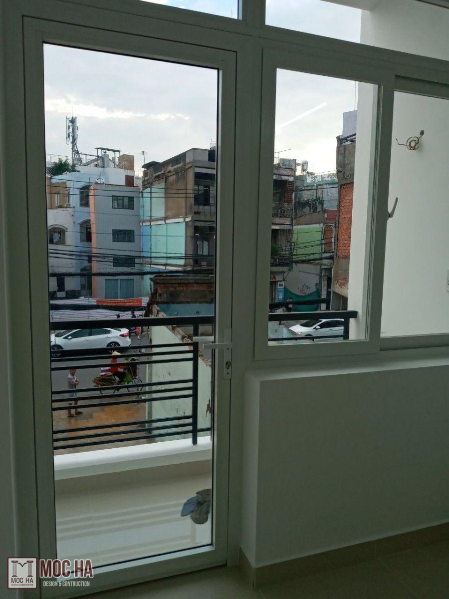 Thay cửa đi chính và cửa sổ nhôm xingfa